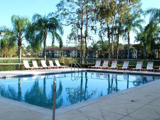 Naples Real Estate - Community DEAUVILLE LAKE CLUB Photo 2