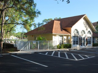 Naples Real Estate - Community DEAUVILLE LAKE CLUB Photo 3