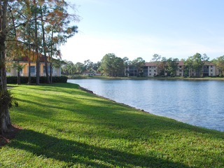 Naples Real Estate - Community DEAUVILLE LAKE CLUB Photo 4