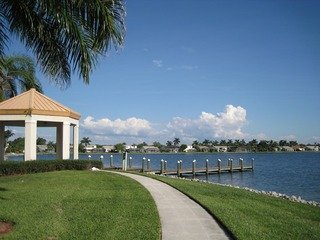 Naples Real Estate - Community EMERALD LAKES Photo 4