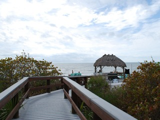 Naples Real Estate - Community BAREFOOT BEACH Photo 4