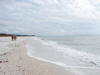 Naples Real Estate - Community BAREFOOT BEACH Photo 6