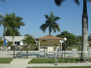 Naples Real Estate - Community FOUNTAINS Photo 4