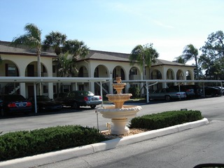 Naples Real Estate - Community FOUNTAINS Photo 6