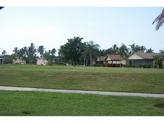 Naples Real Estate - Community GLADES Photo 3