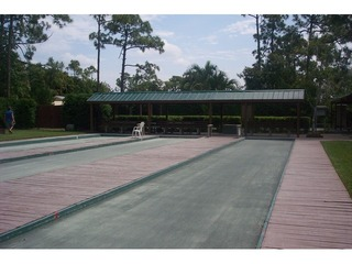 Naples Real Estate - Community BAY FOREST Photo 2