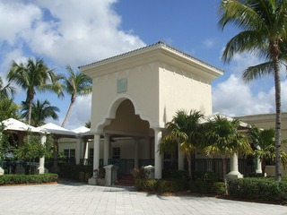 Naples Real Estate - Community HAMMOCK BAY GOLF AND COUNTRY CLUB Photo 2