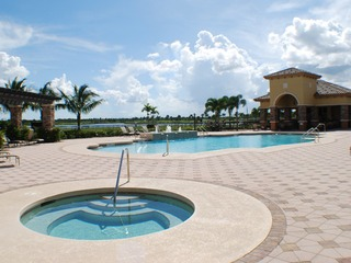 Naples Real Estate - Community HERITAGE BAY Photo 2