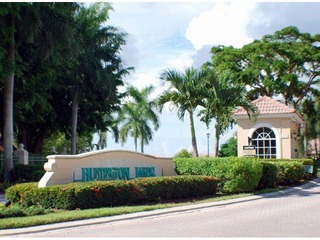Naples Real Estate - HUNTINGTON LAKES Main Community Photo
