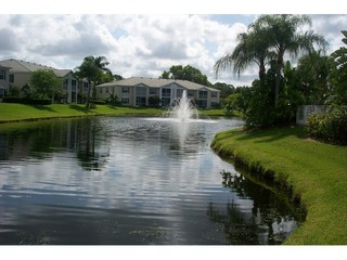 Naples Real Estate - Community LAUREL OAKS AT PELICAN BAY Photo 3