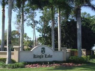 Naples Real Estate - Community KINGS LAKE Photo 2
