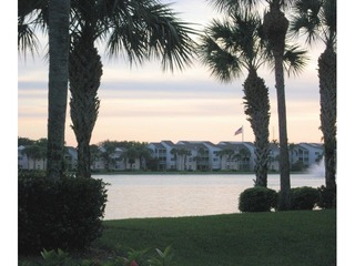 Naples Real Estate - Community LAKESIDE Photo 6