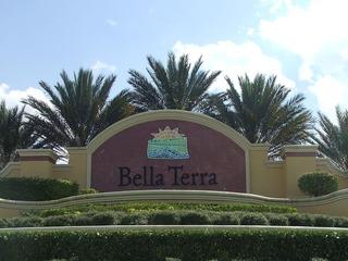 Naples Real Estate - Community BELLA TERRA Photo 3
