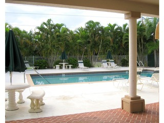 Naples Real Estate - Community MOON LAKE Photo 2