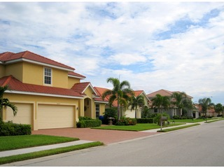 Naples Real Estate - Community MOON LAKE Photo 4