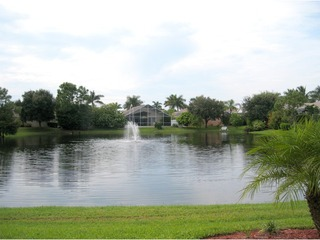 Naples Real Estate - Community MOON LAKE Photo 6