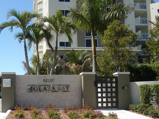 Naples Real Estate - Community MORAYA BAY Photo 2