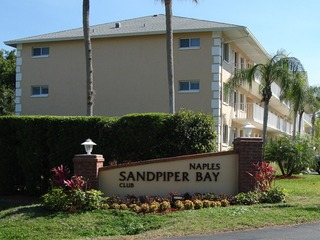 Naples Real Estate - Community NAPLES SANDPIPER BAY CLUB Photo 2