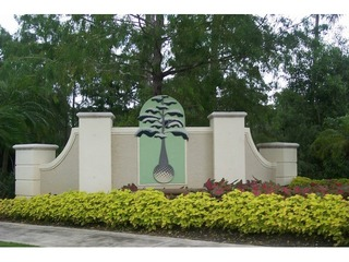 Naples Real Estate - Community OLDE CYPRESS Photo 2