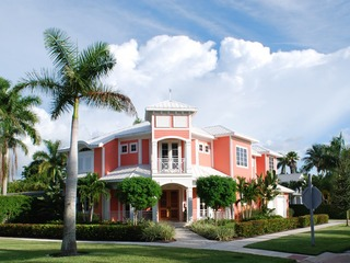 Naples Real Estate - Community OLDE NAPLES Photo 6