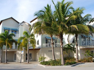 Naples Real Estate - Community OLDE NAPLES SEAPORT Photo 2