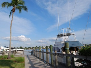 Naples Real Estate - Community OLDE NAPLES SEAPORT Photo 4