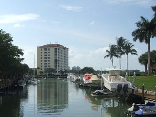 Naples Real Estate - Community PELICAN ISLE YACHT CLUB Photo 2
