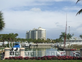 Naples Real Estate - Community PELICAN ISLE YACHT CLUB Photo 3