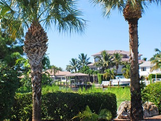 Naples Real Estate - Community BONITA SHORES Photo 6