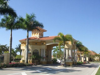 Naples Real Estate - Community SUMMIT PLACE Photo 2
