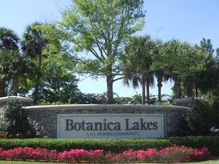 Naples Real Estate - Community BOTANICA LAKES Photo 2