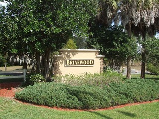 Naples Real Estate - Community BRIARWOOD Photo 2