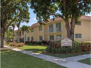 Naples Real Estate - Community VILLAGE GREEN Photo 3