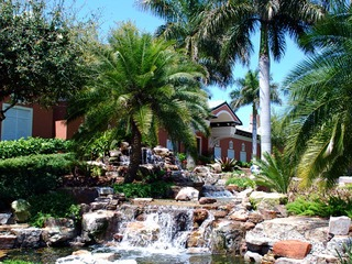 Naples Real Estate - Community WEST BAY CLUB Photo 2