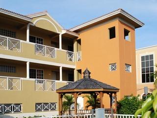 Naples Real Estate - Community CITY CENTER PLAZA Photo 2