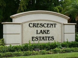Naples Real Estate - CRESCENT LAKE ESTATES Main Community Photo