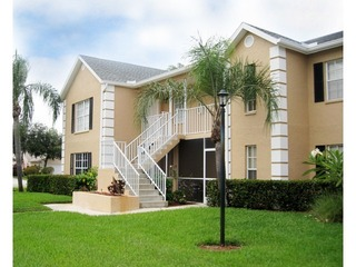 Naples Real Estate - Community CROWN POINTE Photo 4