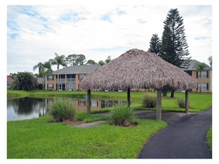 Naples Real Estate - Community CROWN POINTE Photo 6